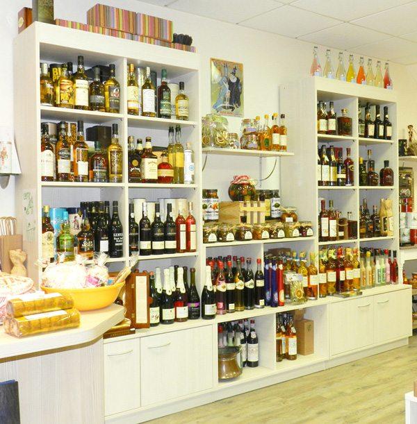 meuble de presentation alcools