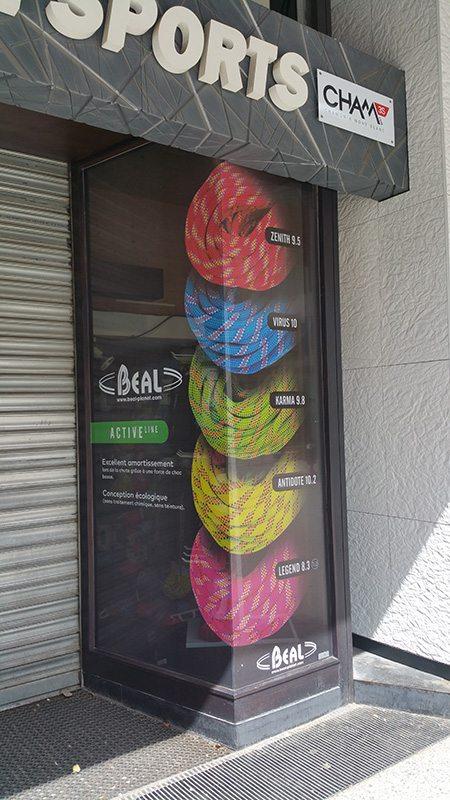 Sticker vitrine microperforé