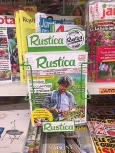 Presse jardin support de magazine Rustica