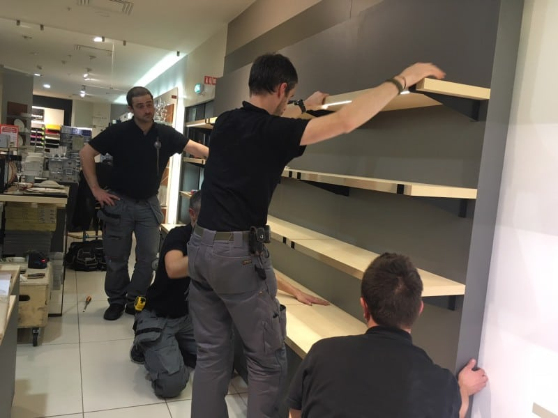 Installation de mobilier PLV